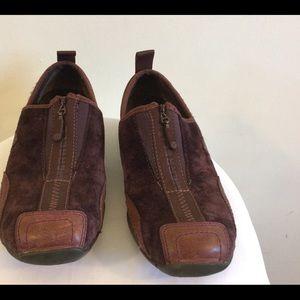 Women's MERRELL Deep Purple Suede Shoes Size 6